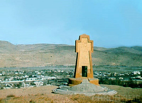 Кушка. Памятный крест