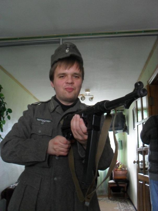 Главный Генеральный Верховный Вождь РОНА О. Филатчев и его соратники