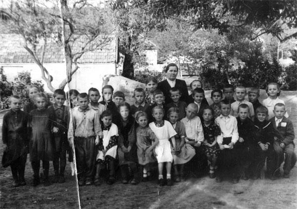 Окончание 1-го класса, с.Бешпагир Ставропольского края, 1956 г.
