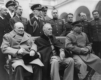 Ялтинская конференция. Сильные мiра сего: премьер-министр Великобритании Черчилль, президент США Рузвельт и советский вождь Сталин
