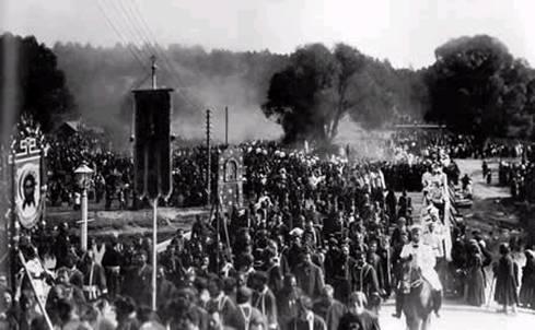 Крестный ход в Саровской пустыни в дни прославления прп. Серафима Саровского