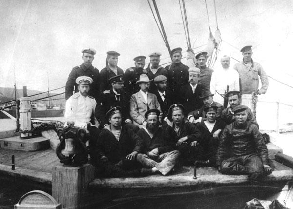 Участники экспедиции на борту шхуны «Заря»