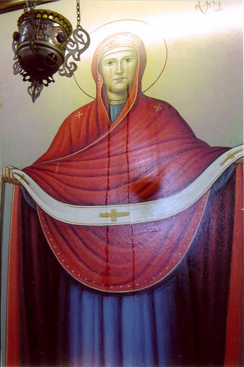 Первой в храме замироточила икона Божьей Матери Казанской. Покров Пресвятой Богородицы