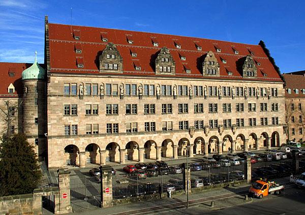 Дворец правосудия в Нюрнберге построен в 1909/12 гг.. Во дворце размещался штат Международного трибунала