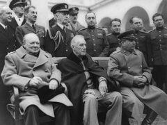 Закончилась Ялтинская конференция по переделу мiра по итогам Второй мiровой войны