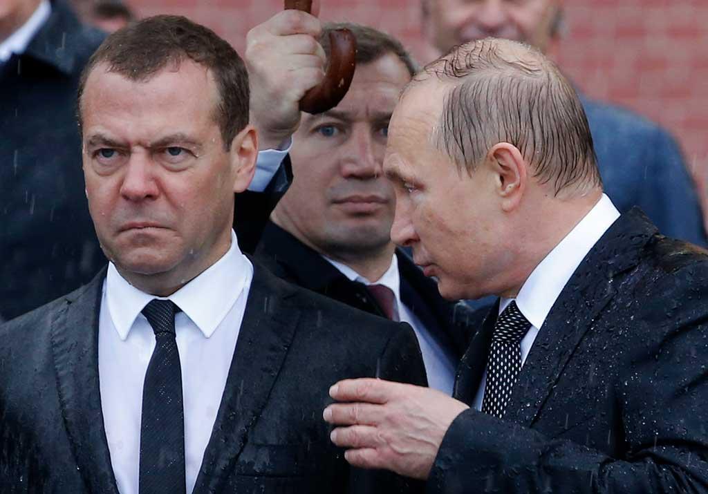 Зачем Песков Путину