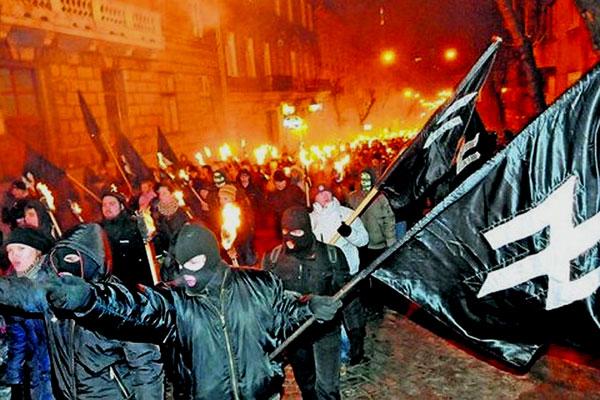 Факельные шествия нацистов на Украине