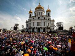 Противостоять мировой системе зла совместными усилиями церковного народа в Отечестве и рассеянии сущего